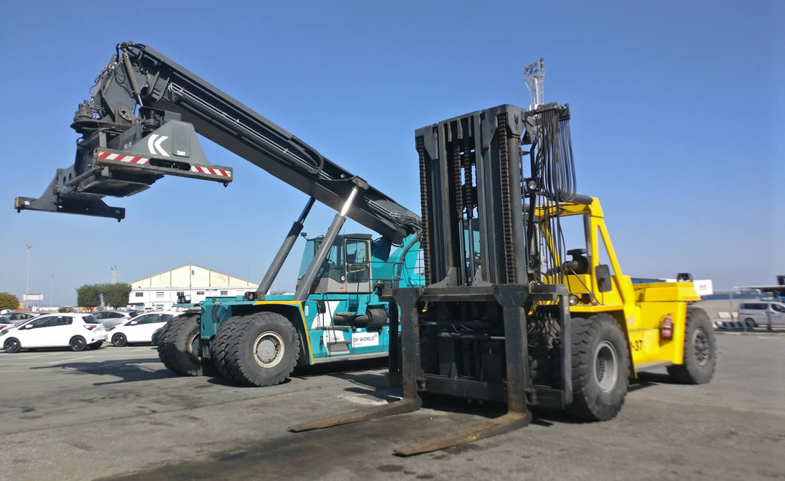 TELESCOPIC & COUNTERBALANCE FORKLIFTS